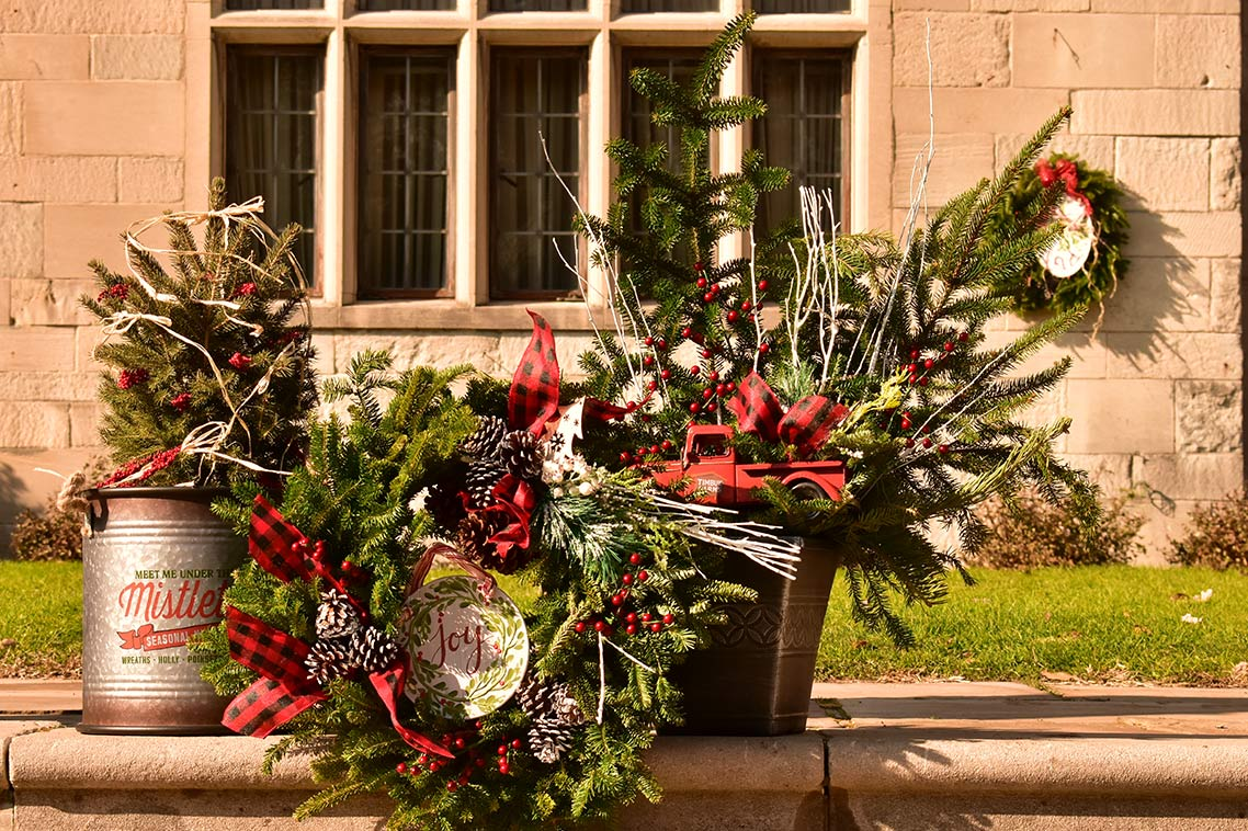 Holiday Floral Bouquets, Wreaths and Decor